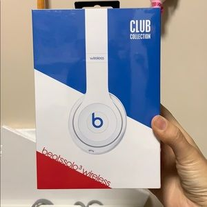 Beats Solo 3 Wireless headphones BNIB